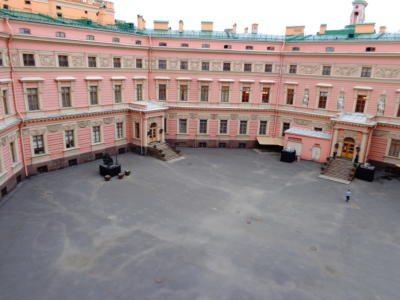 Михайловский замок - двор - Saint Michael's castle