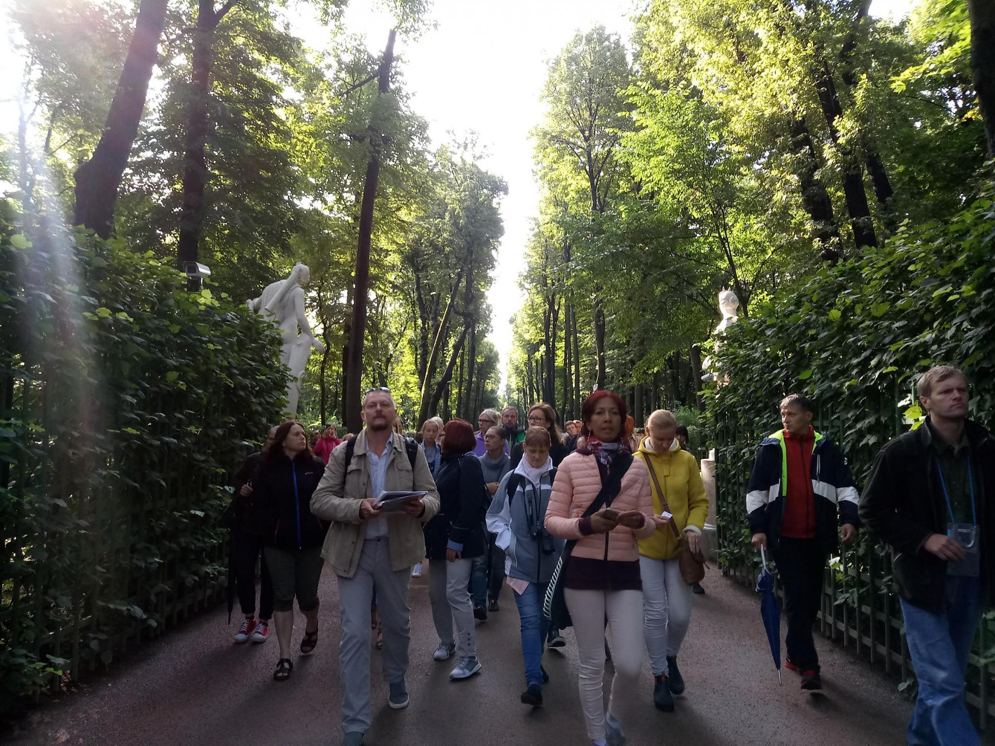 Ботанические экскурсии в боскете Красный сад