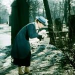 5. Кадр из фильма Сестры 1957 г. В Летнем саду